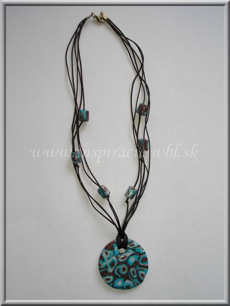náhrdelník modelovaný z fimo hmoty